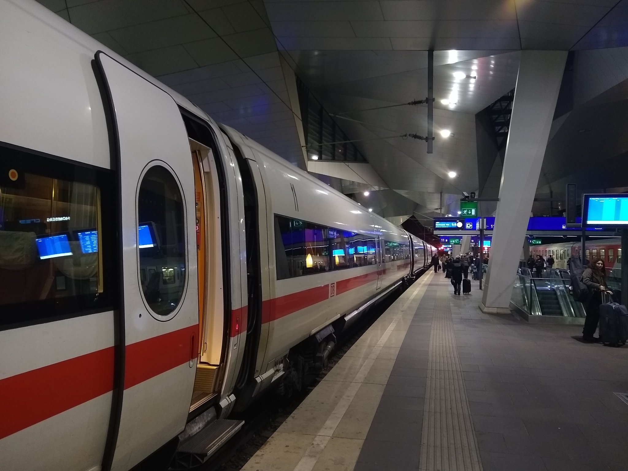The ICE train at platform 11