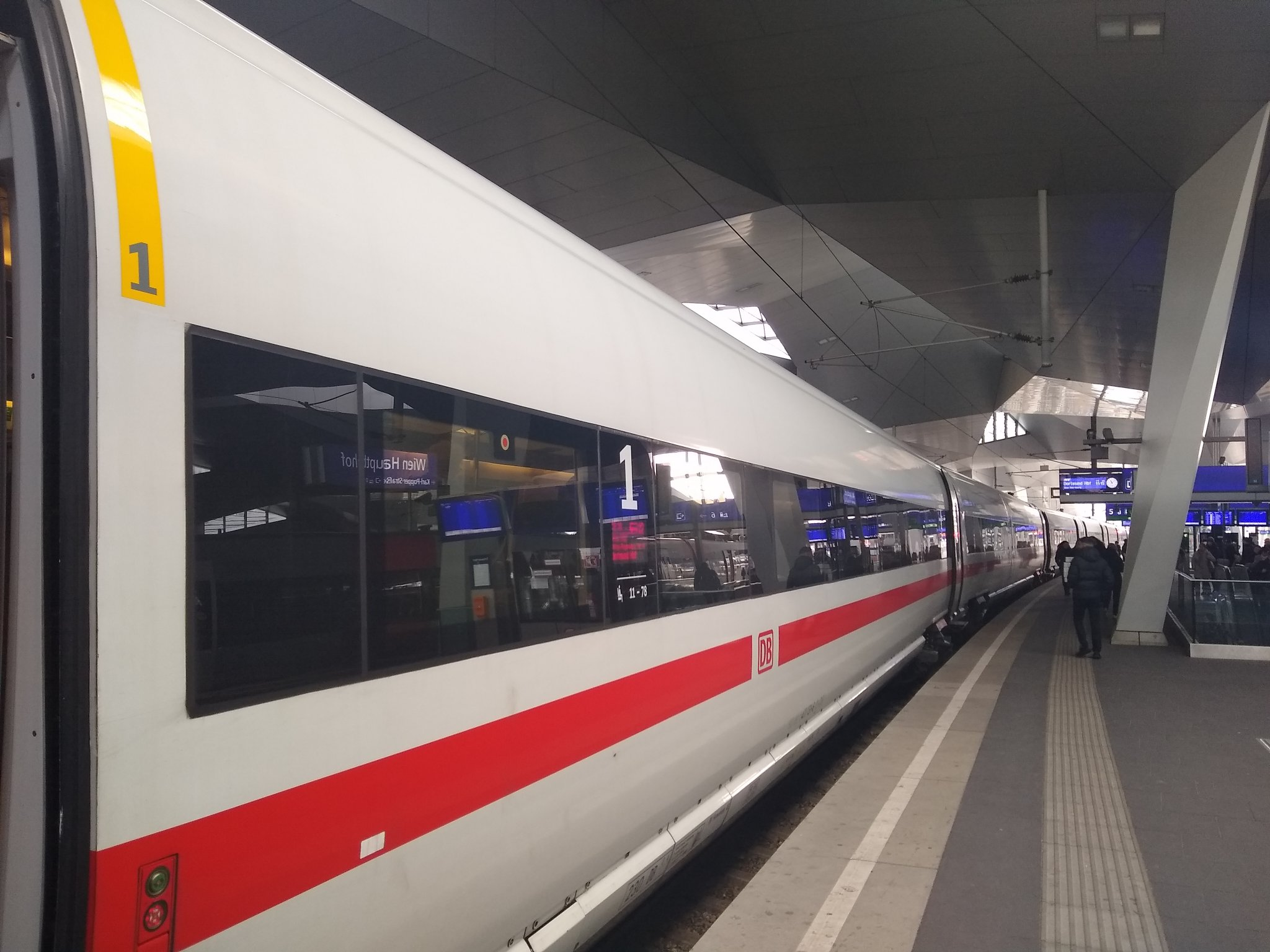 Boarding a Deutsche Bahn ICE to Frankfurt am Main