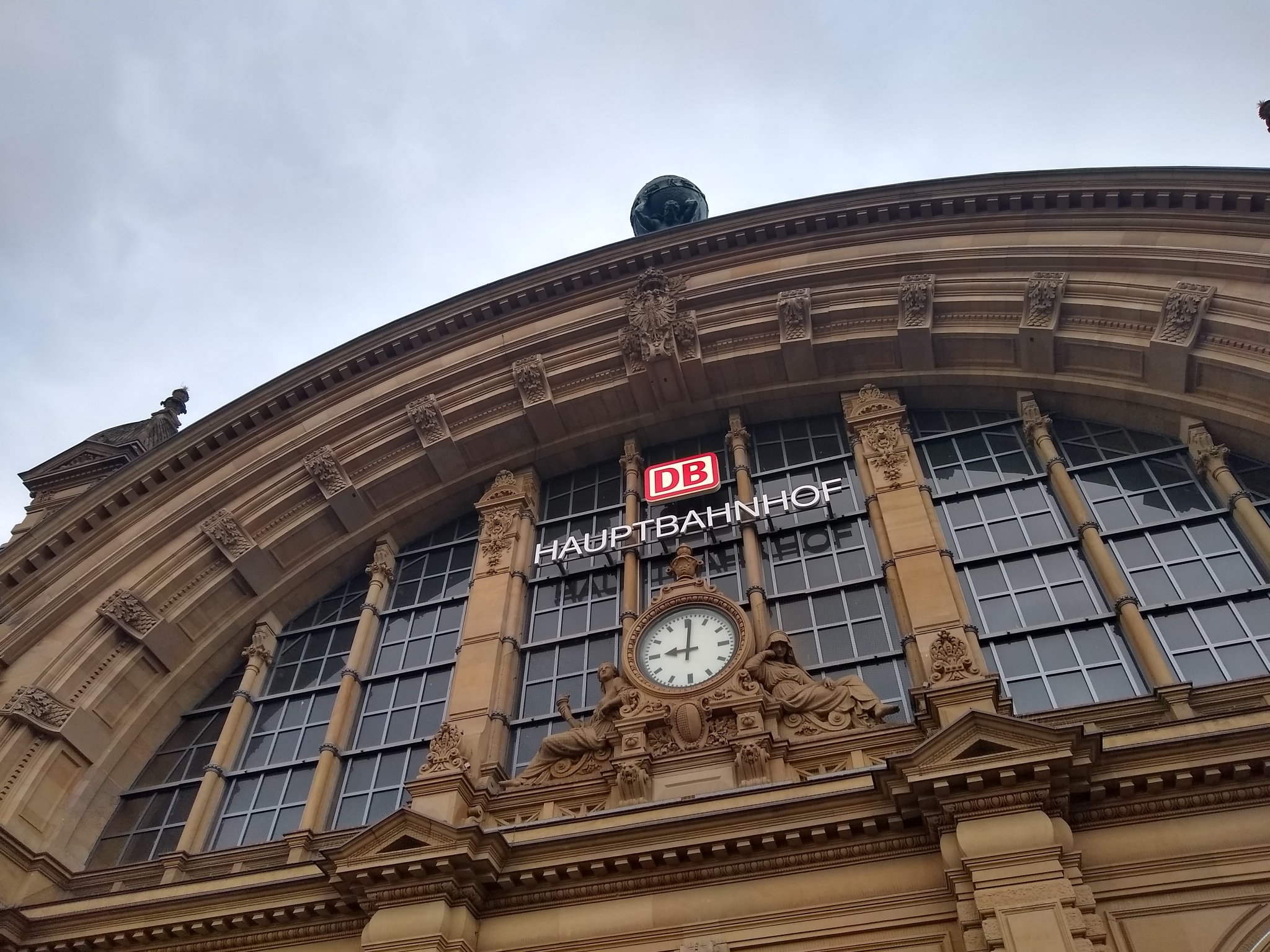 Frankfurt Hbf building in the morning
